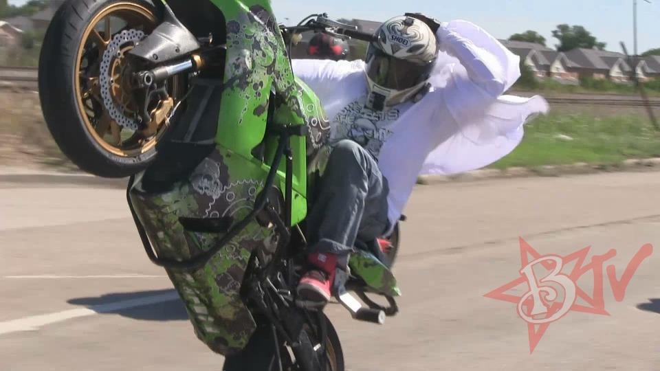 Stunt Bike Riding Long Highway WHEELIES Streetfighterz ROC 2014 Street Ride Motorcycle Stunts Video