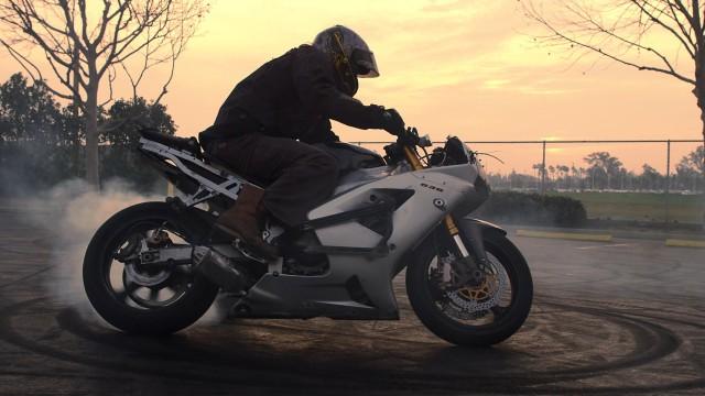 Stunt Bowl VI 2015 – Motorcycle Stunts in 4K