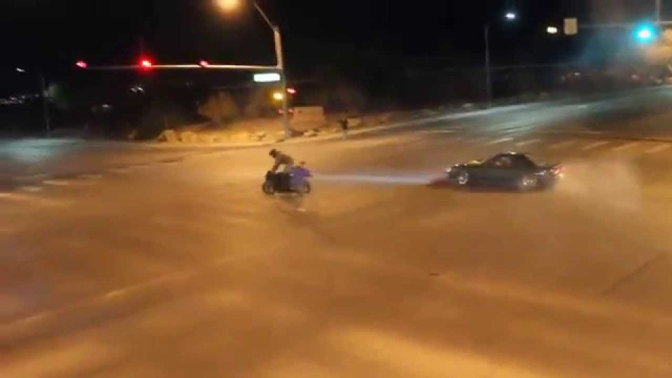 Illegal Street Drifters take over intersection on public street